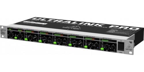 Behringer ULTRALINK PRO MX882 Mezclador/ Splitter